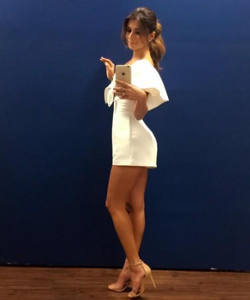 Paula Fernandes e seu look branco (Foto: Instagram)