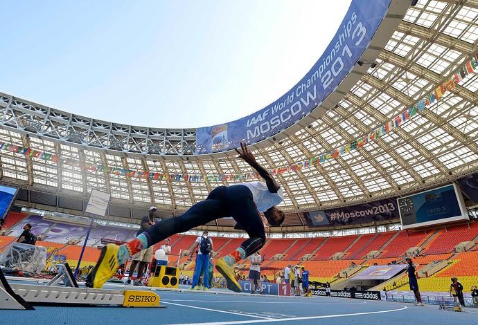 Preparativos para o mundial de atletismo, em Moscou (Foto: Agência AP)