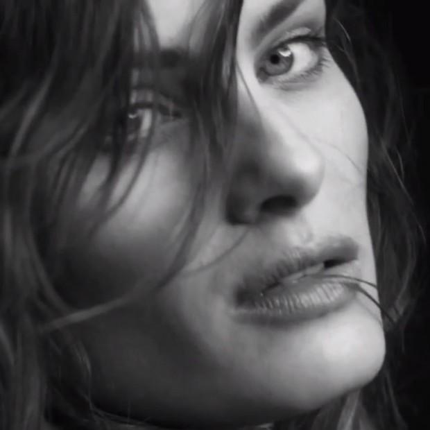 Isabelli Fontana em campanha Calvin Klein (Foto: Instagram / Reprodução)