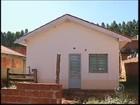 Moradores em Anhembi reclamam de comércio ilegal de casas da CDHU