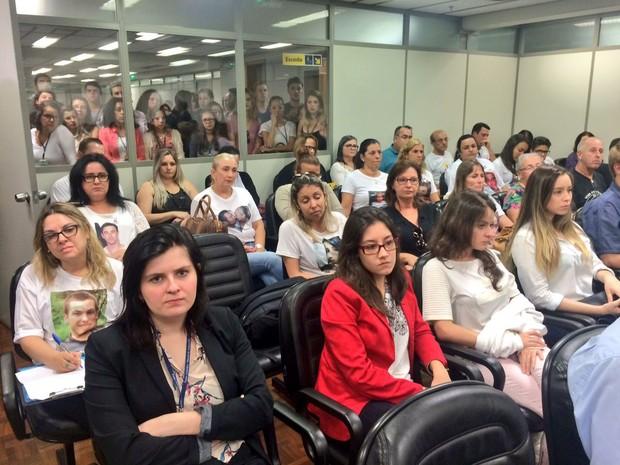 Familiares de vítimas e estudantes de Direito acompanharam o julgamento do recurso (Foto: Igor Grossmann/G1)