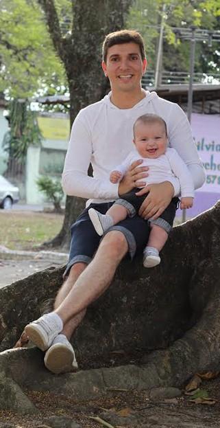 O repórter Bruno Pellegrine e o filho Tales (Foto: Arquivo pessoal/ divulgação)