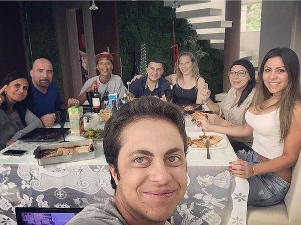 Thammy Miranda mostra almoço em família com Gretchen e Andressa Ferreira (Foto: Reprodução_Instagram)