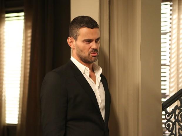 Maurílio esbraveja após atitude de Cristina (Foto: Carol Caminha/ Gshow)