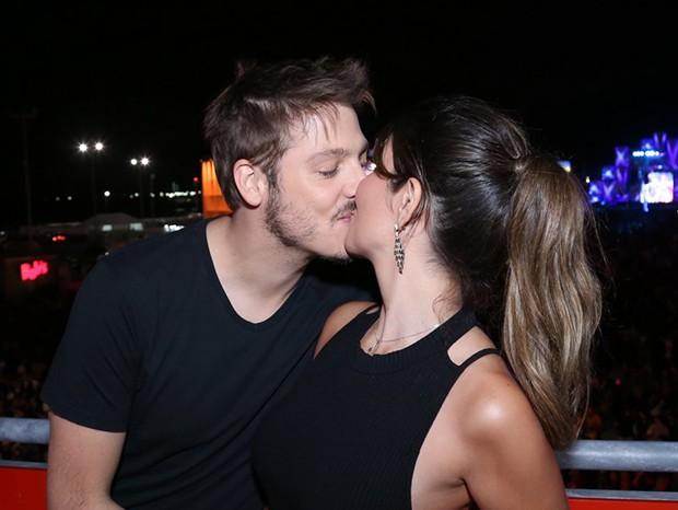 Fábio Porchat e a noiva, Nataly Mega (Foto:  Anderson Borde e Denilson Santos/AgNews)