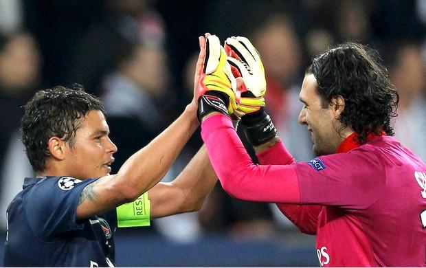 Thiago Silva comemora classificação do PSG na Liga dos Campeões (Foto: Reuters)