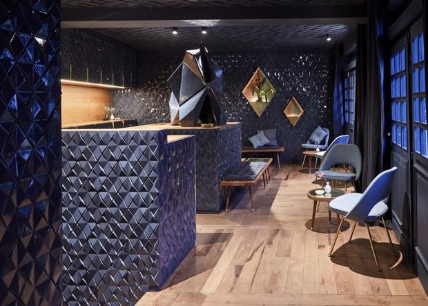 Bar em Frankfurt permite que os clientes montem seus próprios drinks (Foto: Steve Herud/Divulgação)