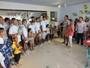 Nadadores olímpicos visitam crianças e adolescentes com câncer em SE