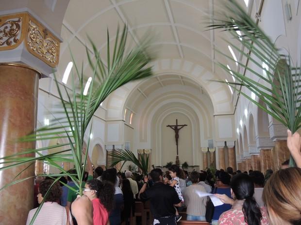 Missa domingo de Ramos Mogi (Foto: Jenifer Carpani/G1)