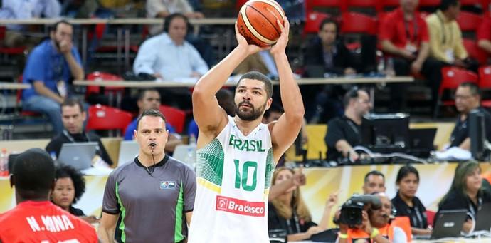 Olivinha foi o maior pontuador da vitória brasileira com 18 pontos  (Foto: Divulgação/FIBA Américas)