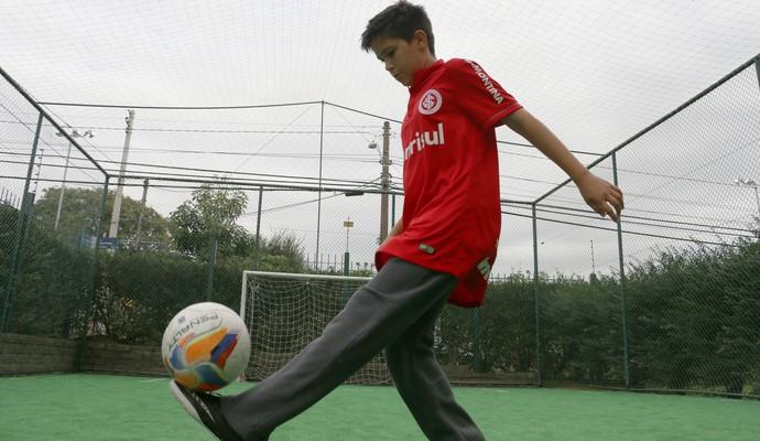 Enzo Filho do Fernandão especial Inter Um ano sem Fernandão (Foto: Leo Urnauer/GloboEsporte.com)