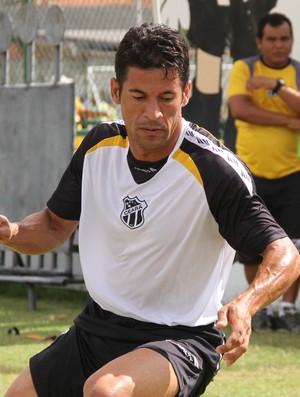 Volante Hamilton, novo reforço do Ceará (Foto: Divulgação/CearáSC.com)