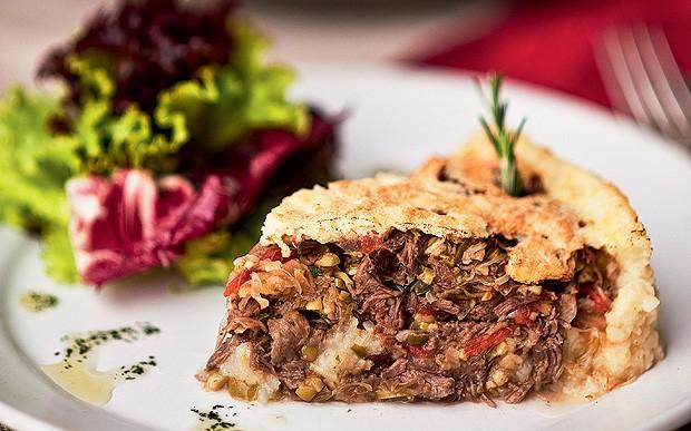 Torta de carne assada (Foto: Ricardo Corrêa/Casa e Comida)