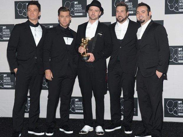 Da esq. para dir., JC Chasez, Lance Bass, Justin Timberlake, Joey Fatone e Chris Kirkpatrick no VMA 2013 (Foto:  Jamie McCarthy/Getty Images for MTV/AFP)