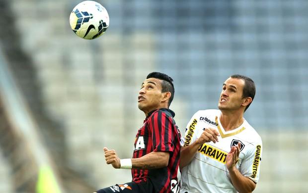 Natanael e Lucas, Atlético-PR e Botafogo (Foto: Getty Images)