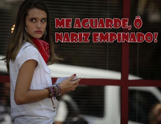 E esse celular na mão? Vai ligar pra quem, Fatinha? (Foto: Malhação / TV Globo)