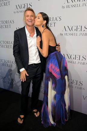 Russell James e Adriana Lima em evento em Nova York, nos Estados Unidos (Foto: Michael Loccisano/ Getty Images/ AFP)