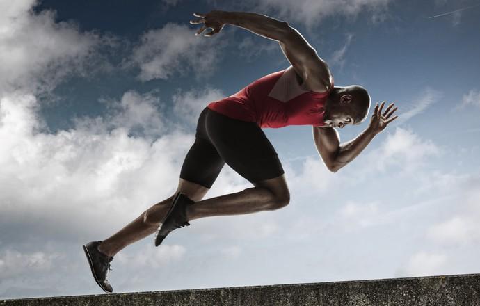 Corredor atlético negro pensador (Foto: Getty Images)
