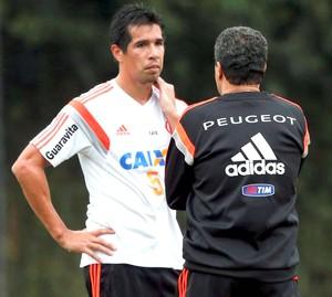 Caceres, treino Flamengo (Foto: Cezar Loureiro / Agência O Globo)