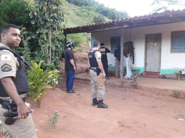 Homem foi preso suspeito de ter matado a companheira dele (Foto: Polícia Civil/Divulgação)