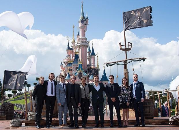 Elenco de 'Piratas do Caribe' lança filme na Disney de Paris (Foto: Divulgação)