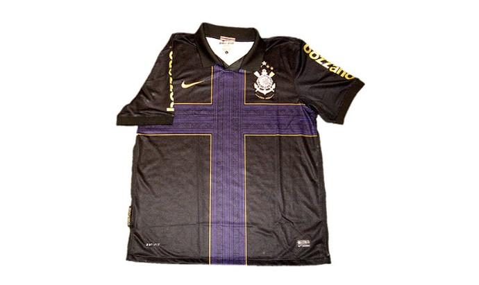 Camisa Corinthians cruz (Foto: Divulgação)