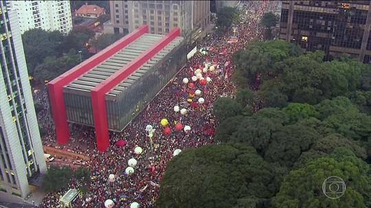 Sindicatos e movimentos sociais promovem protestos em todo o país