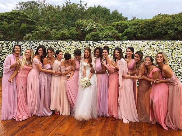 Marina Ruy Barbosa e suas madrinhas no casamento com Xandy Negrão (Foto: Reprodução/Instagram)