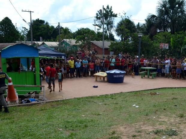 Jovem foi morto durante tiroteio em Cruzeiro do Sul  (Foto: Genival Moura/ G1)