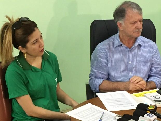 Presidente do Ipaam e gerente de fauna apresentaram laudo (Foto: Diego Toledano/G1 AM)