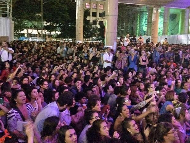 Público lotou pilotis do Palácio Capanema, em ato contra o fim do Ministério da Cultura (Foto: Daniel Silveira/G1)