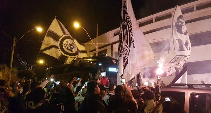 Festa torcida Ponte Preta Campinas (Foto: Heitor Esmeriz)