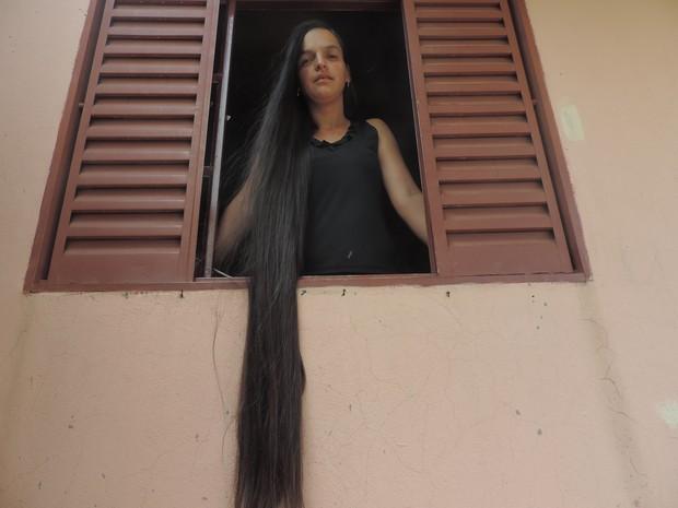 Dona de casa colocou cabelo à venda (Foto: Amanda Campos/G1)