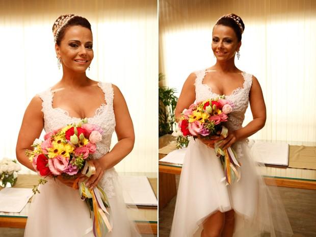 Naná (Viviane Araújo) usa vestido branco em casamento (Foto: Ellen Soares/ Gshow)