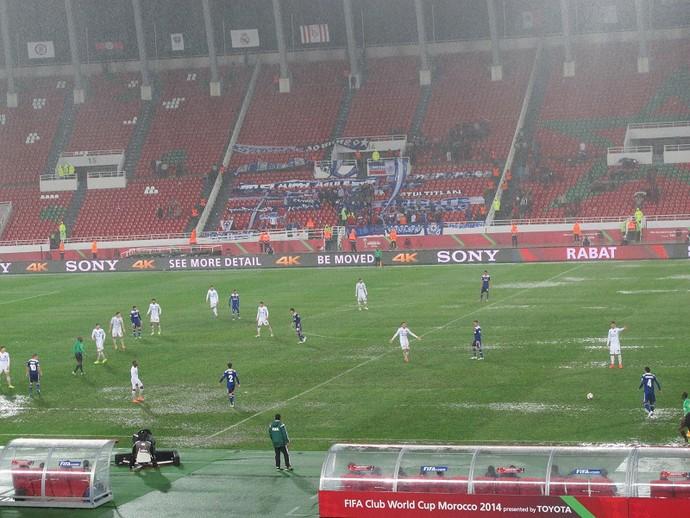 Chuva Cruz Azul, mundial de clubes (Foto: Felipe Schmidt)