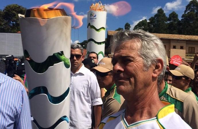 Tocha olímpica em Corumbá de Goiás (Foto: Guilherme Gonçalves/ GloboEsporte.com)