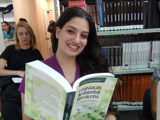 Thalita Dall'Armi pretende prestar o Enem no ano que vem  (Foto: Claudia Jones/Academia do Concurso)