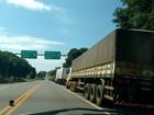 Caminhoneiros voltam a bloquear rodovias federais do Paraná