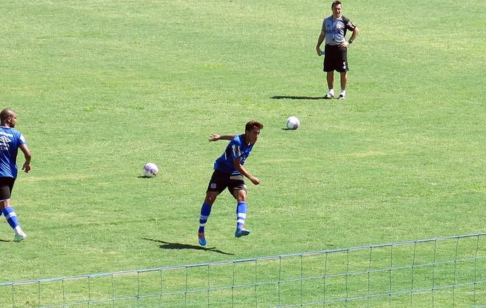 Ramarinho chuta a gol Vasco (Foto: Raphael Zarko)