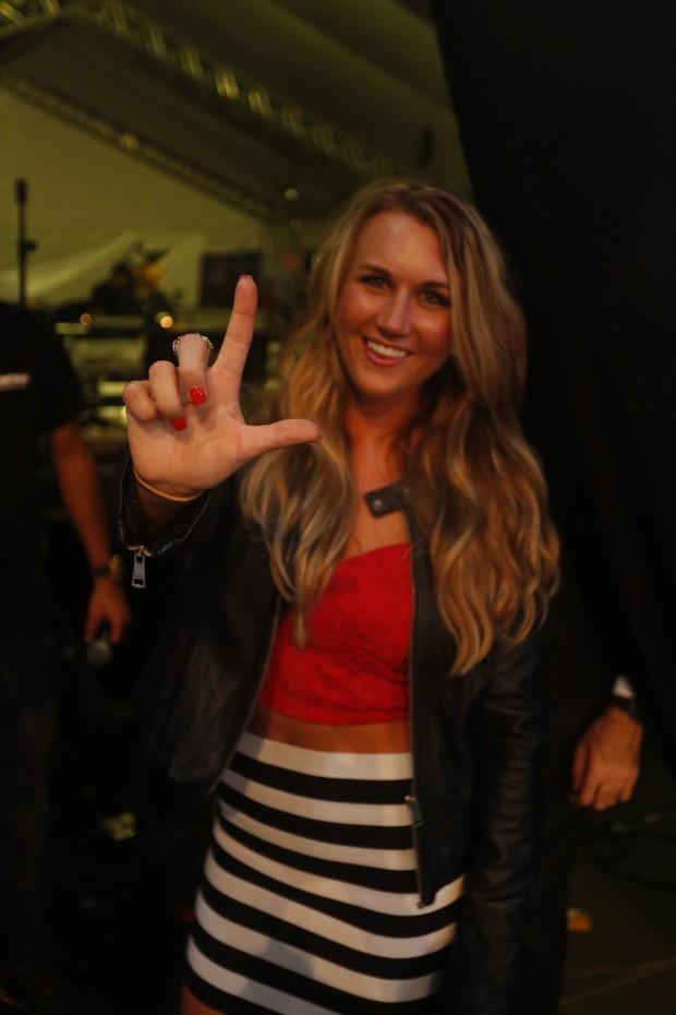 Namorada americana de Léo Santana  vai a show em Minas Gerais (Foto: Fred Pontes / Divulgação)