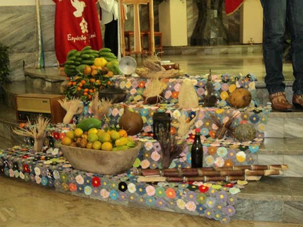 Decoração Missa Sertaneja Pequeri, MG (Foto: Paróquia São Pedro Apóstolo / Divulgação)