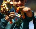 É ouro! Petrúcio bate o seu 2º recorde mundial no Rio e é campeão nos 100m