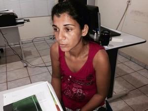 A mãe Leni Paula da Silva não vê o filho desde dezembro de 2013 (Foto: Maico Gean/Jaru Online)