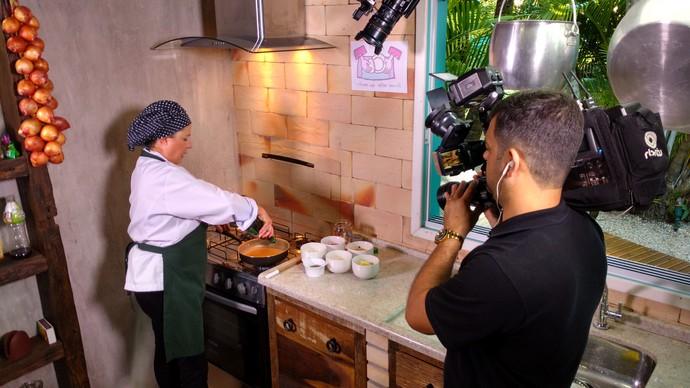 Que tal aproveitar o que já tem na geladeira pra um a receita gostosa? O Mistura com Camille Reis ensina  (Foto: RBS TV/Divulgação )