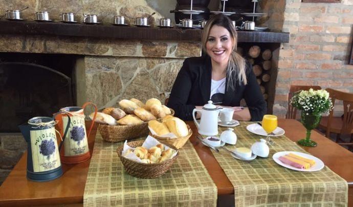 Jessica Leão na abertura do programa  (Foto: Reprodução / TV Diário )