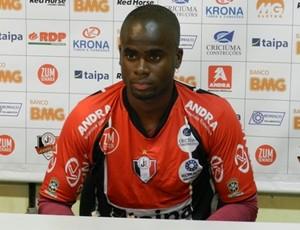Wiliam Thuram, zagueiro do Joinville (Foto: Zilmo José Nunes, Divulgação / Figueirense FC)