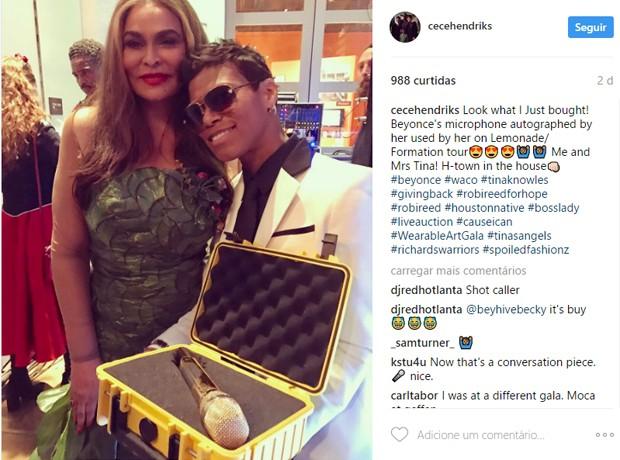 CeCe Hendriks comprou microfone da Formation Tour, de Beyoncé (na foto ela com Tina Lawson, mãe de Bey) (Foto: Reprodução/Instagram)