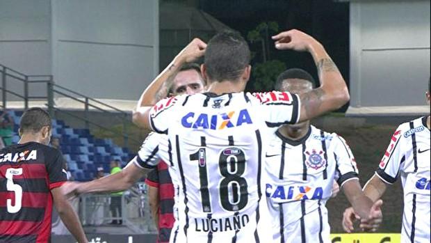 Luciano comemora gol do Corinthians contra o Vitória (Foto: Reprodução )