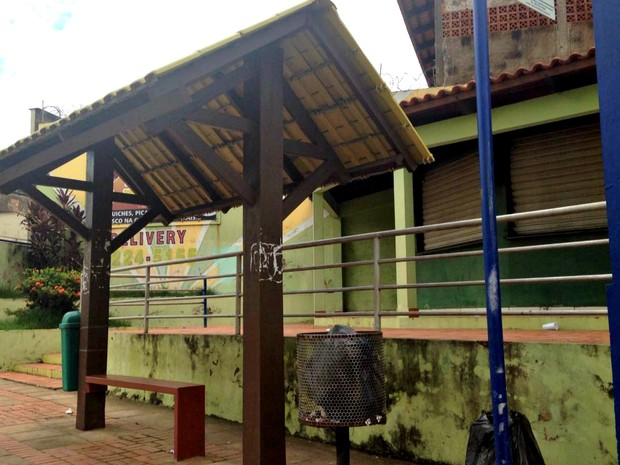 Pontos de ônibus em Rio Branco devem ser adotados por empresas privadas  (Foto: Caio Fulgêncio/G1)