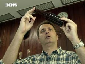 Ideia para criar cerveja surgiu quando empresário via casamento de cães na televisão (Foto: Reprodução/GloboNews)